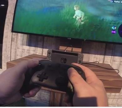 Nintendo SwitchをPROコントローラーでプレイしている様子が公開