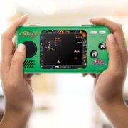 『ポケットプレイヤー <ギャラガ><ディグダグ>』が2019年6月末に発売決定!1台の中に3タイトルが収録された手のひらサイズの携帯型レトロゲーム機