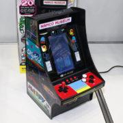手のひらサイズのミニチュア筐体風ゲーム機「レトロアーケード」シリーズより複数のゲームタイトルを収録した『レトロアーケードLL ナムコミュージアム』が東京おもちゃショー2019に出展!