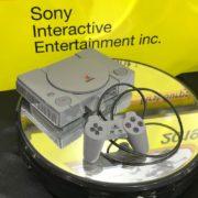 BANDAI SPIRITSより「2/5 セガサターン (HST-3200)」と「2/5 PlayStation (SCPH-1000)」が2020年3月に発売決定!