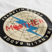 ほぼ日MOTHERプロジェクトよりMOTHER「フランクリンバッヂTシャツ」が2021年3月18日に発売決定!「京都でMOTHERのことばとおみせ。展」も開催決定!